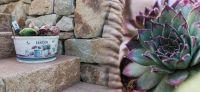 23_nachher_natursteinmauer_treppe_dekoration